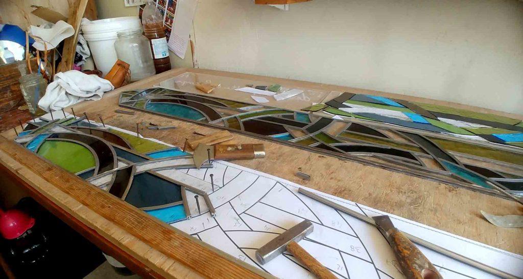 Montage de vitrail, Anne Veyrier du Muraud