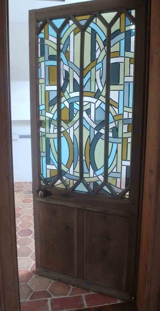 porte avec vitrail Anne Veyrir du Muraud